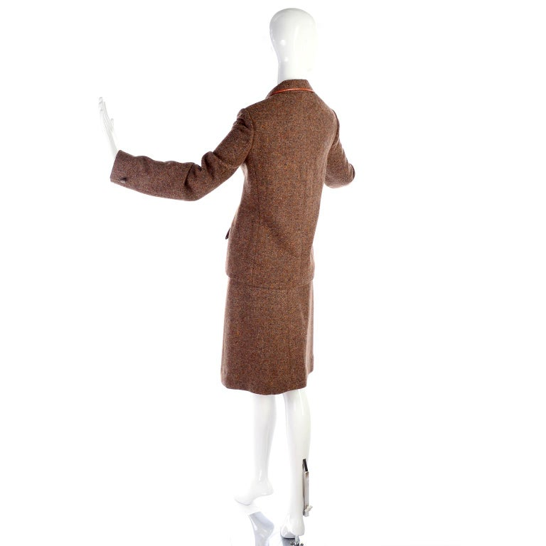 1970s Hermes Vintage Suit W/ Skirt & Blazer in Brown Wool Tweed W Leather Trim For Sale 4