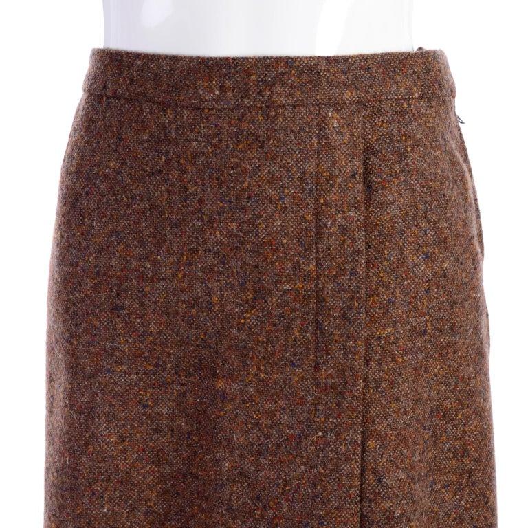1970s Hermes Vintage Suit W/ Skirt & Blazer in Brown Wool Tweed W Leather Trim For Sale 5