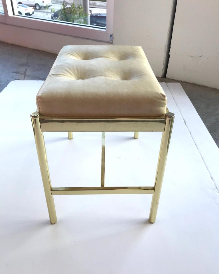 Polished 1970s Hollywood Regency Brass Bench in Naugahyde For Sale