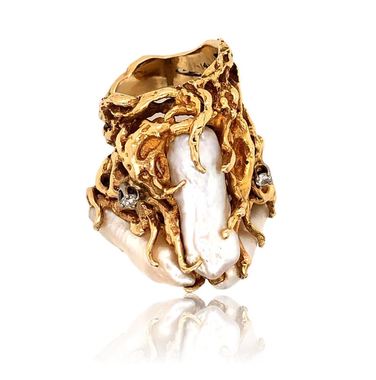 1970s Impressive Pearl and Diamond Statement Ring For Sale 2