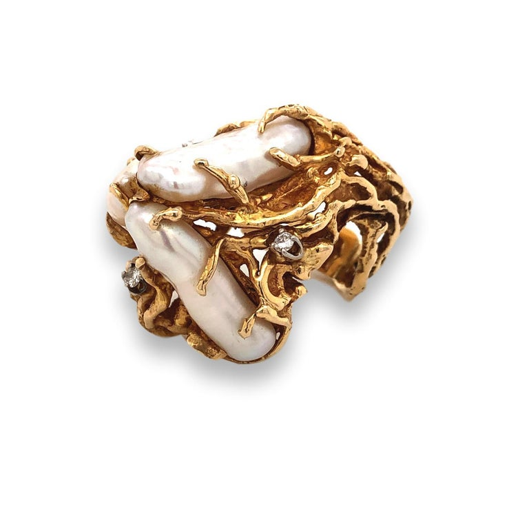 1970s Impressive Pearl and Diamond Statement Ring For Sale 3