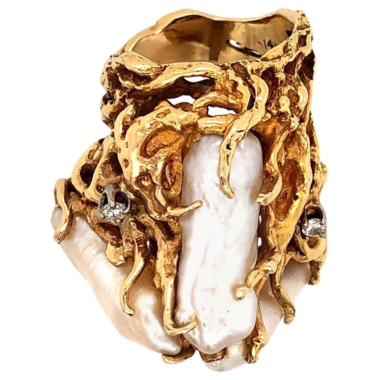 1970s Impressive Pearl and Diamond Statement Ring For Sale