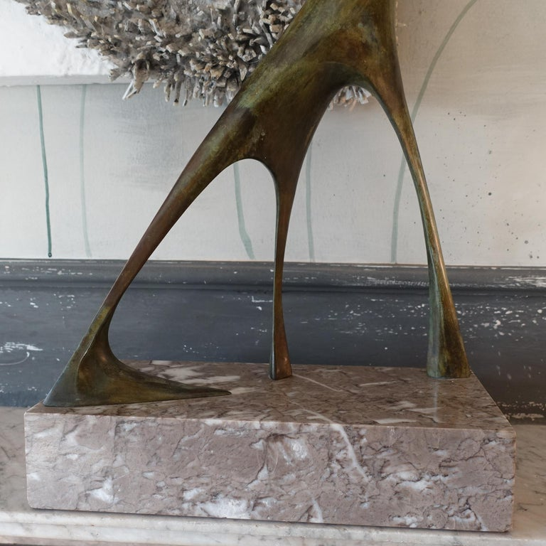 1970s Italian Abstract Animal Bronze Sculpture, Marble Base In Good Condition For Sale In Firenze, IT
