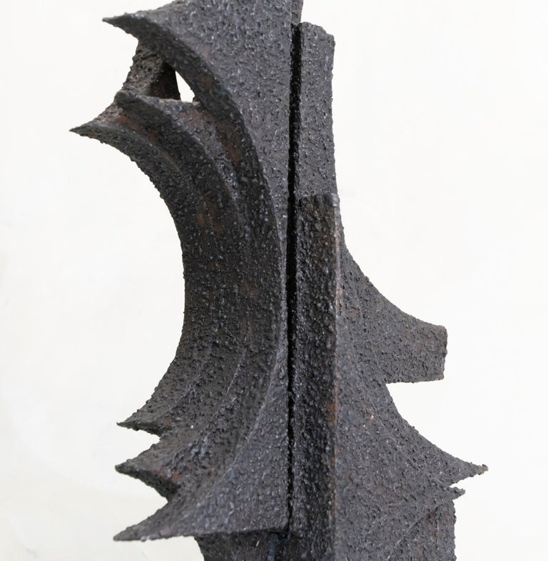 Raw steel abstract sculpture by Antonio Murri,  perfect condition and beautiful vintage patina, Italy circa 1970.