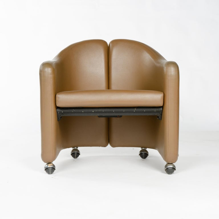 Mid-Century Modern 1970s Italian Barrel-Back Desk or Cocktail Chair by Eugenio Gerli for Tecno For Sale