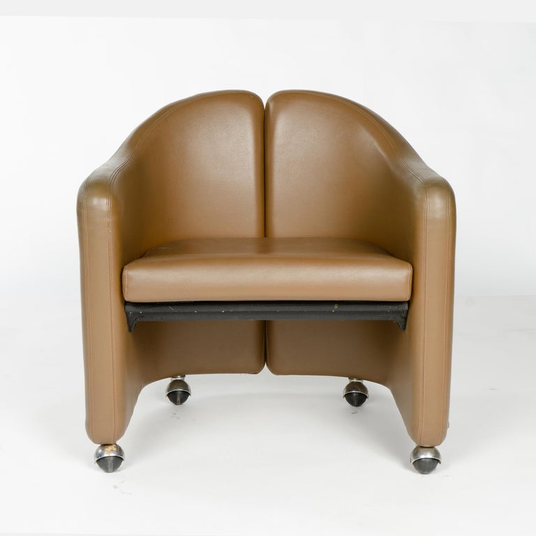 1970s Italian Barrel-Back Desk or Cocktail Chair by Eugenio Gerli for Tecno In Good Condition For Sale In Sagaponack, NY