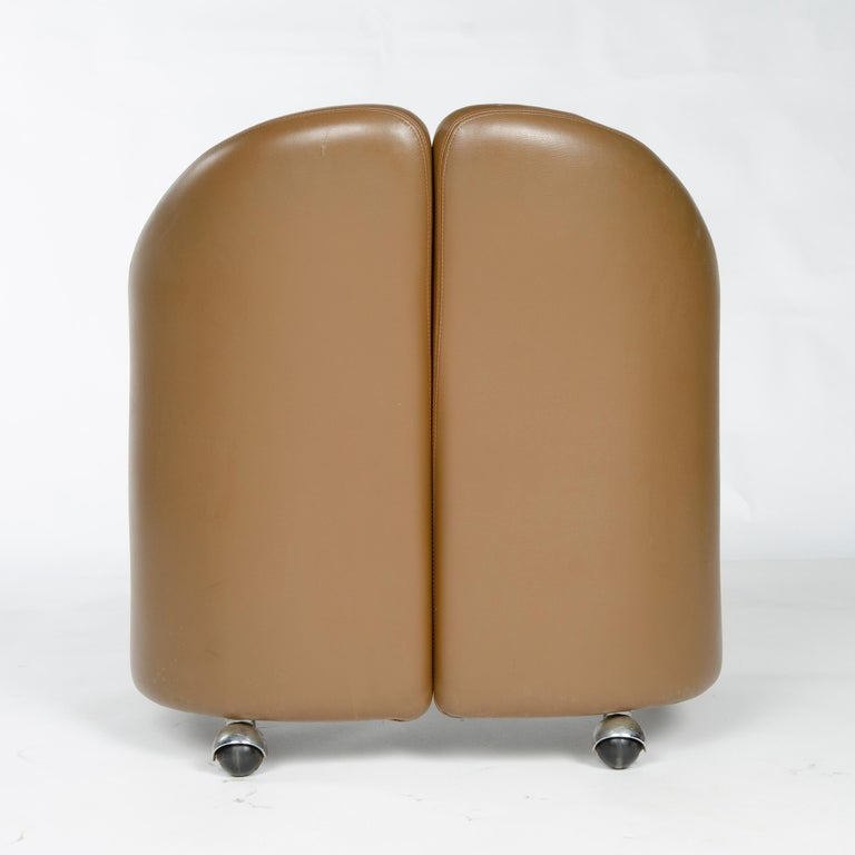 1970s Italian Barrel-Back Desk or Cocktail Chair by Eugenio Gerli for Tecno For Sale 2