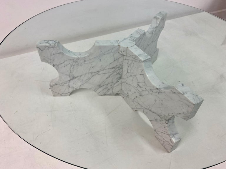 1970s Italian Carrara Marble Coffee Table In Good Condition For Sale In London, London