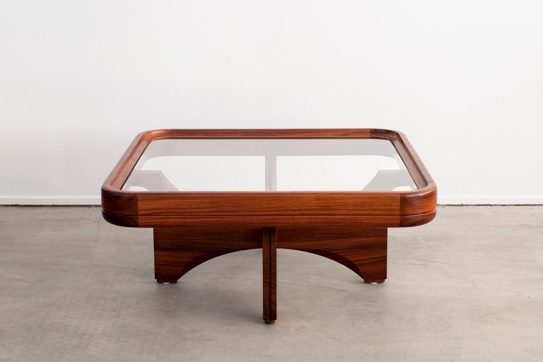 1970s Italian Coffee Table In Good Condition For Sale In Los Angeles, CA