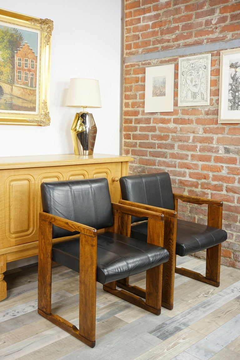 1970s Italian Design by Afra&Tobia Scarpa Wooden and Black Leather Armchairs In Good Condition For Sale In TOURCOING, FR