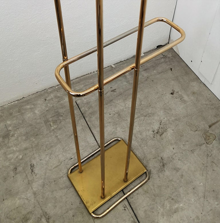 1970s Italian Midcentury Hollywood Regency Brass Valet Stand, Dress Boy, Hanger For Sale 1
