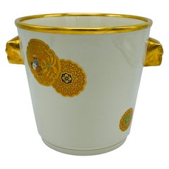 1970s Italian Mottahedeh White and Gold Chinese Medallion Champagne Bucket