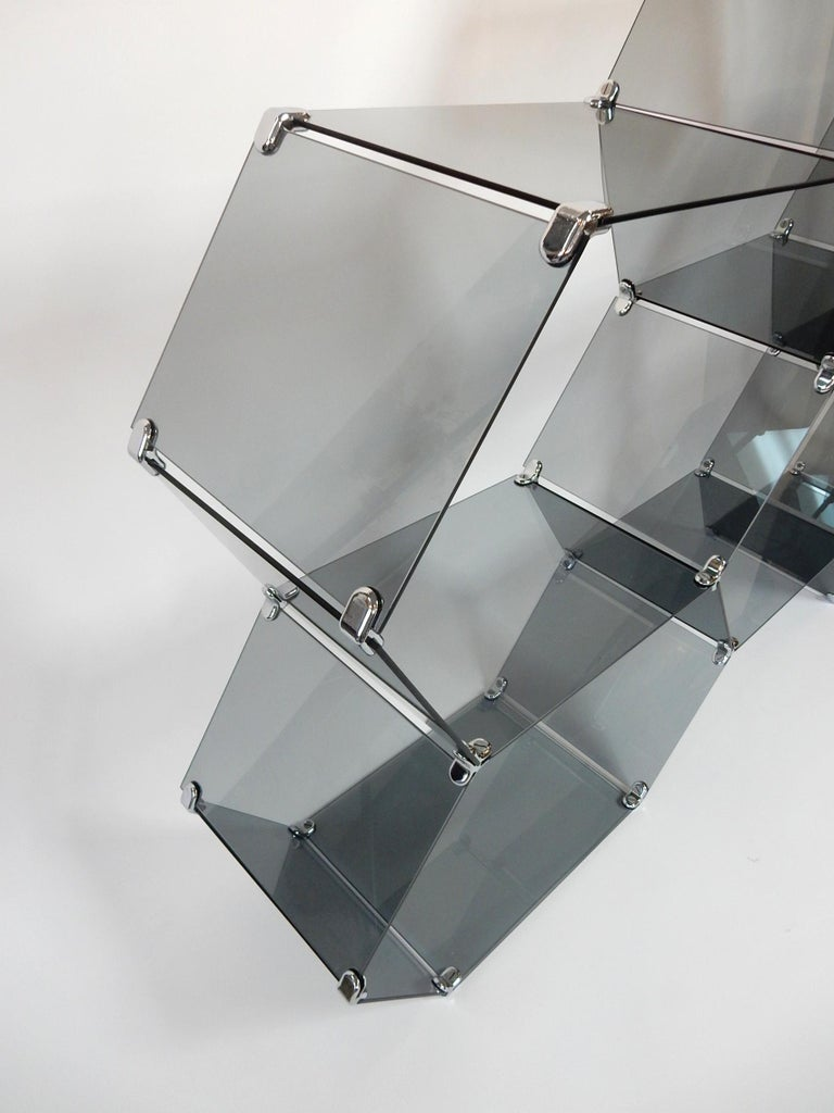 1970s Italian Smoke Glass Hexagonal Display Étagère For Sale 2