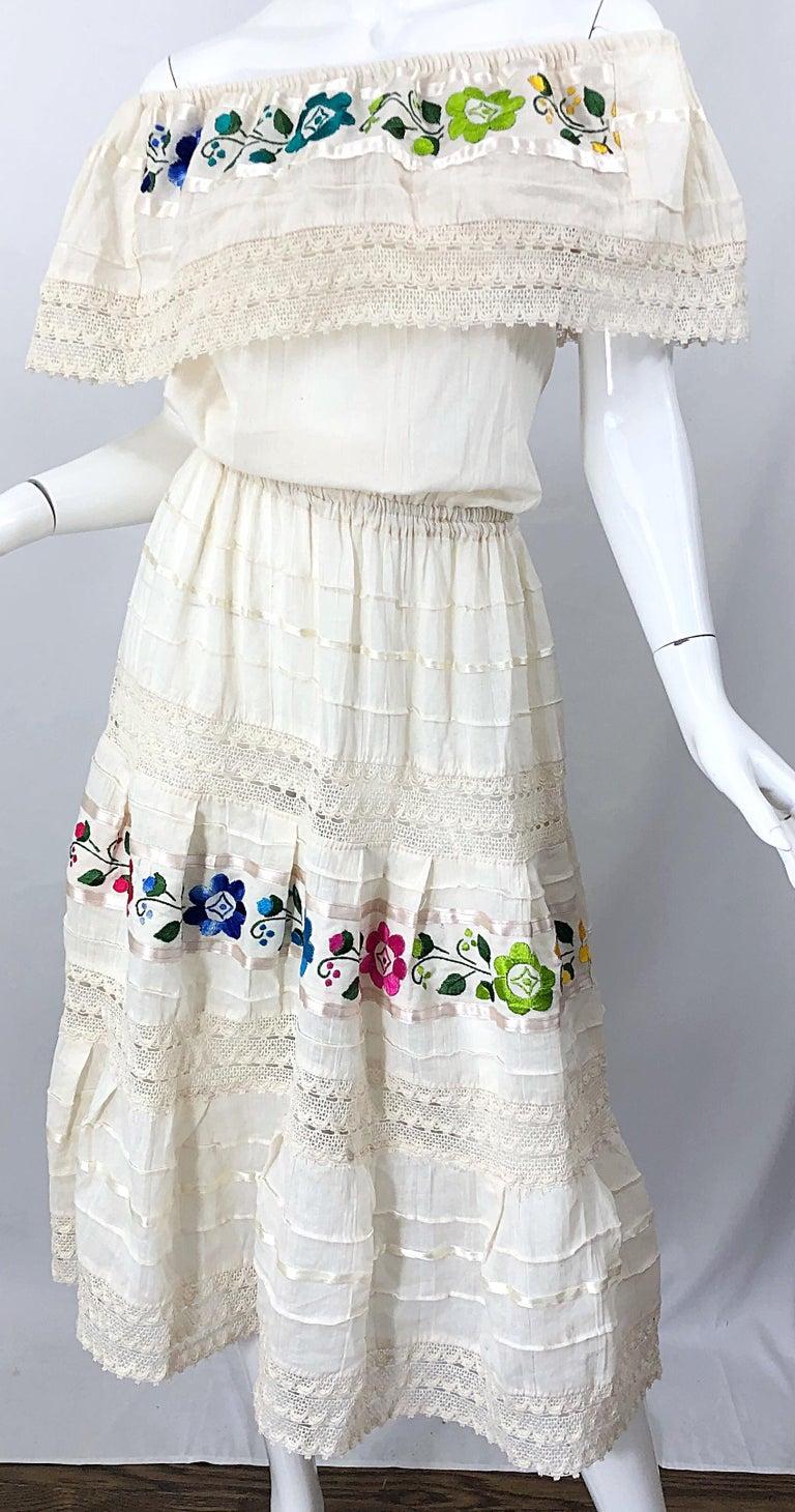 1970s Ivory Cotton Colrful Embroidered Flowers Off Shoulder Vintage Boho Dress For Sale 7