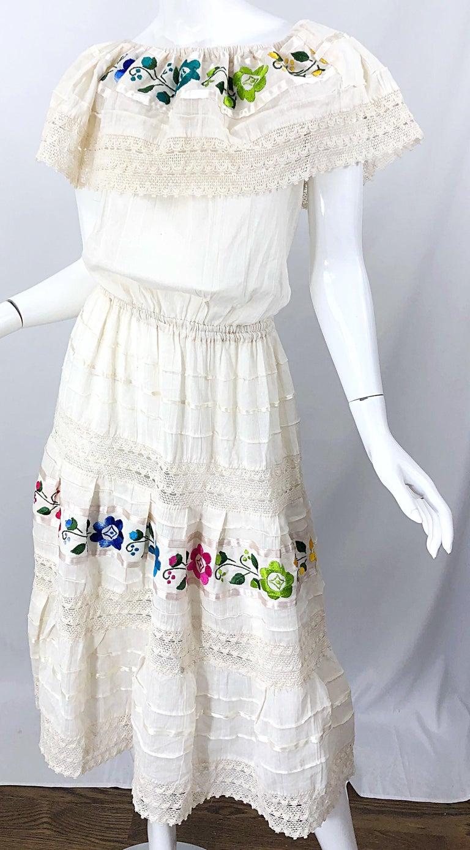 1970s Ivory Cotton Colrful Embroidered Flowers Off Shoulder Vintage Boho Dress For Sale 2