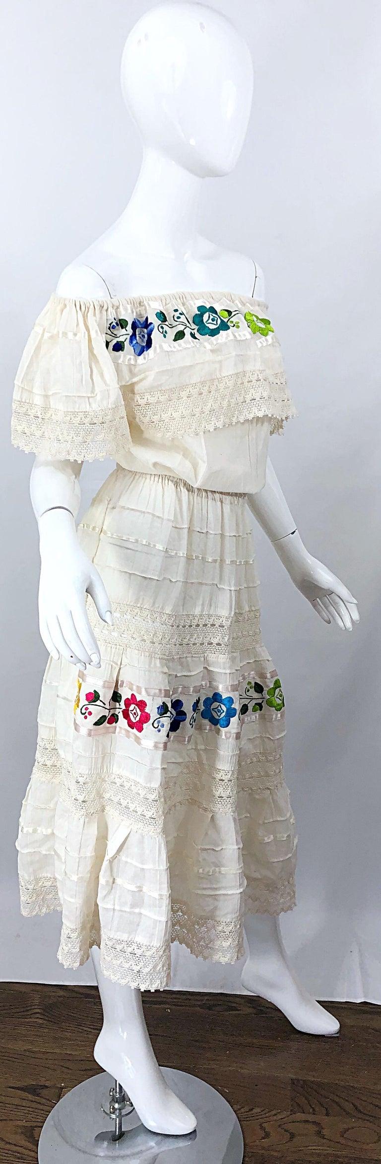 1970s Ivory Cotton Colrful Embroidered Flowers Off Shoulder Vintage Boho Dress For Sale 5