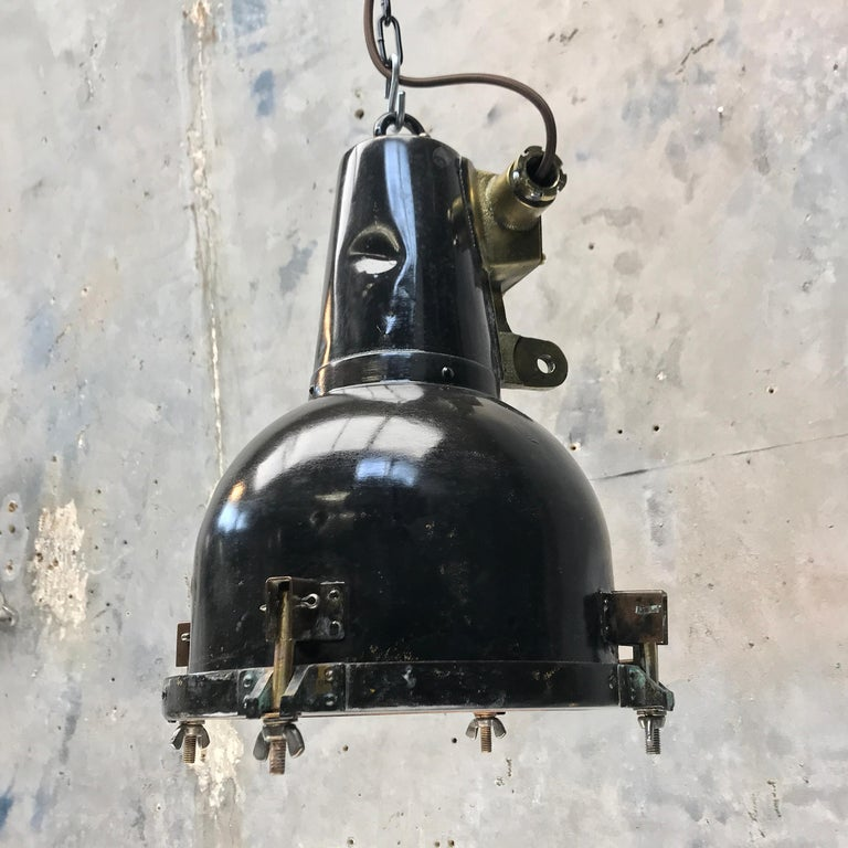 1970s Japanese Brass Marine Nautical Searchlight Pendant Lamp, Tarnished Brown For Sale 3