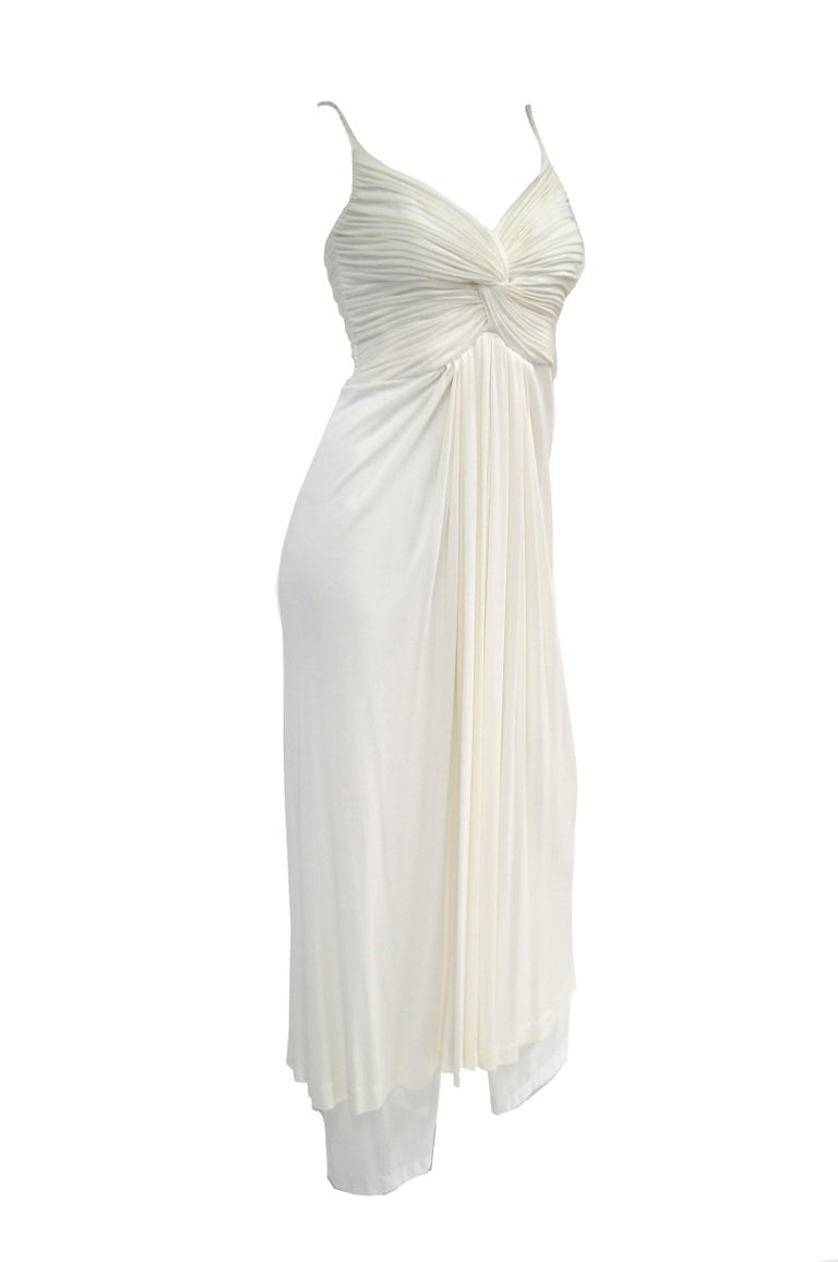 1970s Jill Richards White Knit Grecian Gown with Feather Trim Shawl In Excellent Condition For Sale In Houston, TX