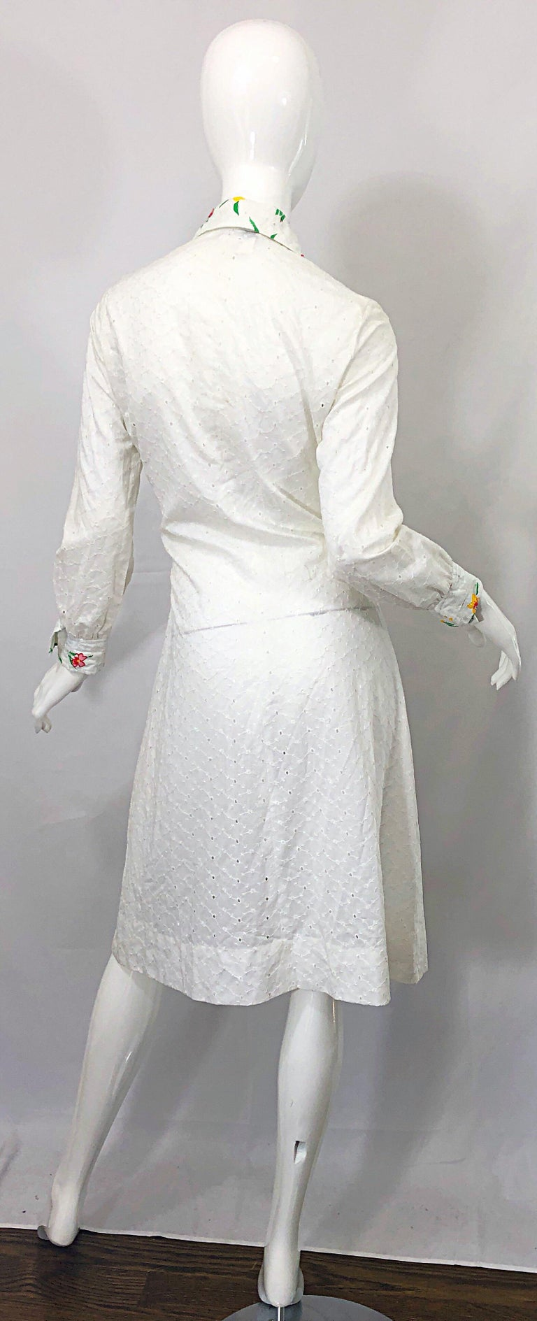 1970s Joseph Magnin White Eyelet Cotton Embrodiered Vintage 70s Shirt Dress In Excellent Condition For Sale In Chicago, IL