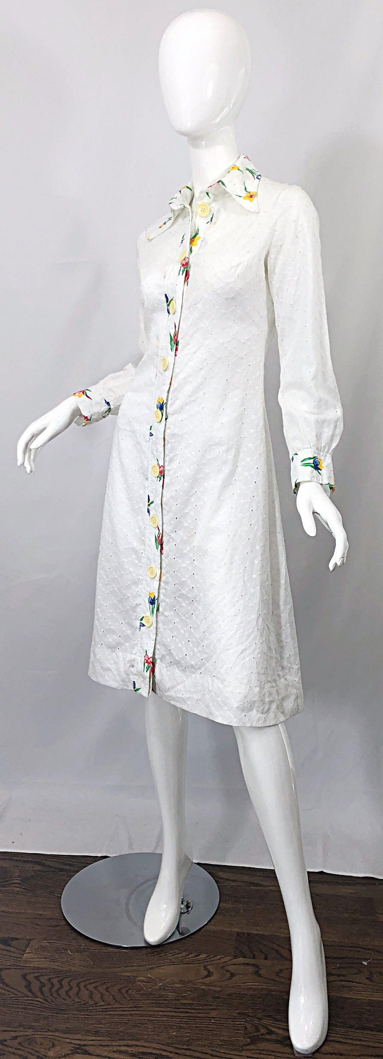 1970s Joseph Magnin White Eyelet Cotton Embrodiered Vintage 70s Shirt Dress For Sale 2