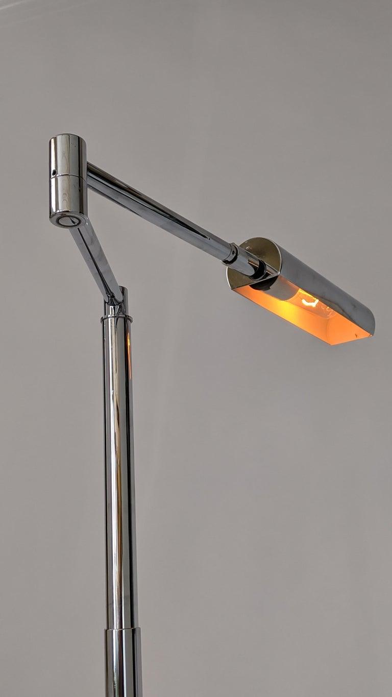Mid-Century Modern 1970s Koch & Lowy Swing Arm Telescopic Reading Floor Lamp, USA  For Sale