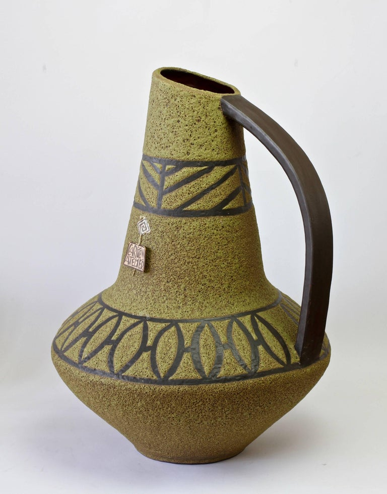 Beautifully hand thrown and glazed floor vase designed by Heinz Siery for Carstens Tonniesh of circa 1965. Carstens are considered to be one of the finest producers of West German Pottery from the Mid-Century era. This vase, part of the 'Atelier'