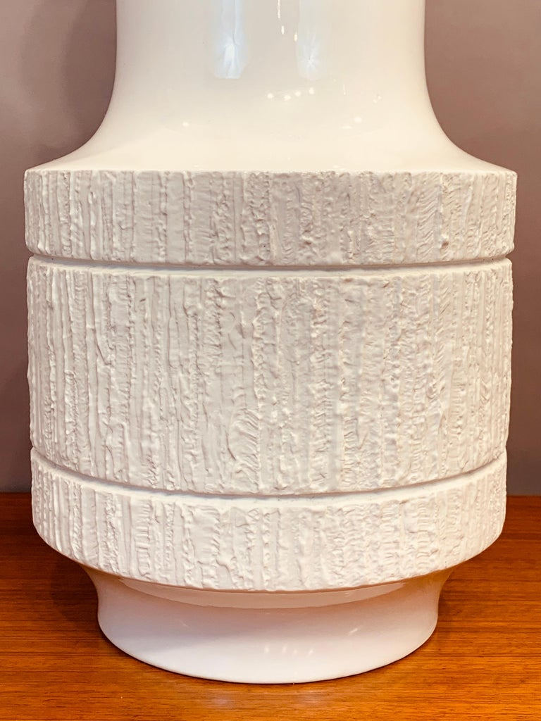 1970s Large Porcelain Op Art Glazed Vase Thomas, Germany by Richard Scharrer In Good Condition For Sale In London, GB