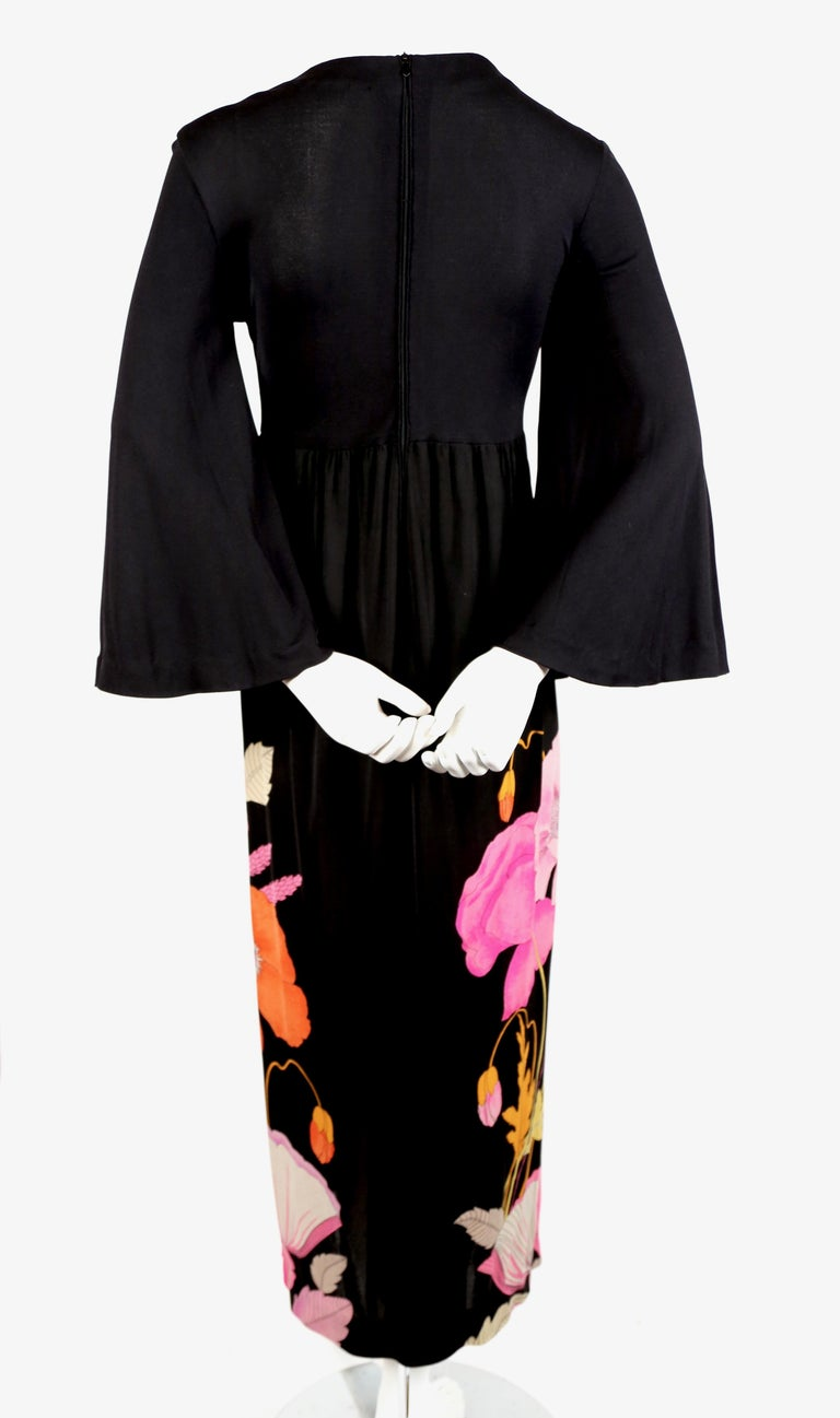 1970's LEONARD Paris floral printed silk jersey dress In Good Condition For Sale In San Fransisco, CA
