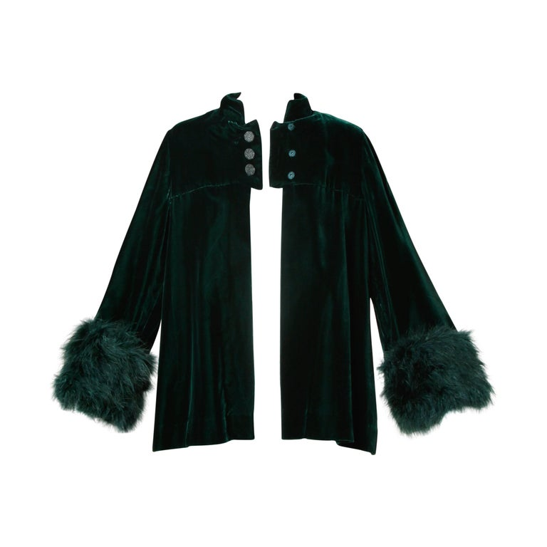 1970s Lilli Diamond Vintage Green Velvet Jacket with Feather Cuffs For Sale 4