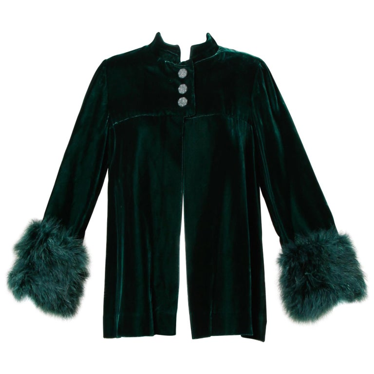1970s Lilli Diamond Vintage Green Velvet Jacket with Feather Cuffs For Sale
