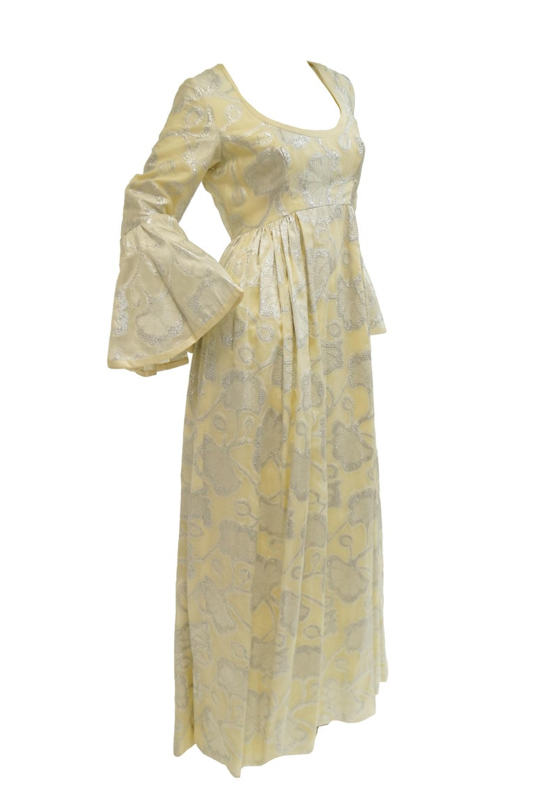1970s Lisa Meril Cream and Silver Floral Brocade Empire Waist Evening Dress In Excellent Condition For Sale In Houston, TX