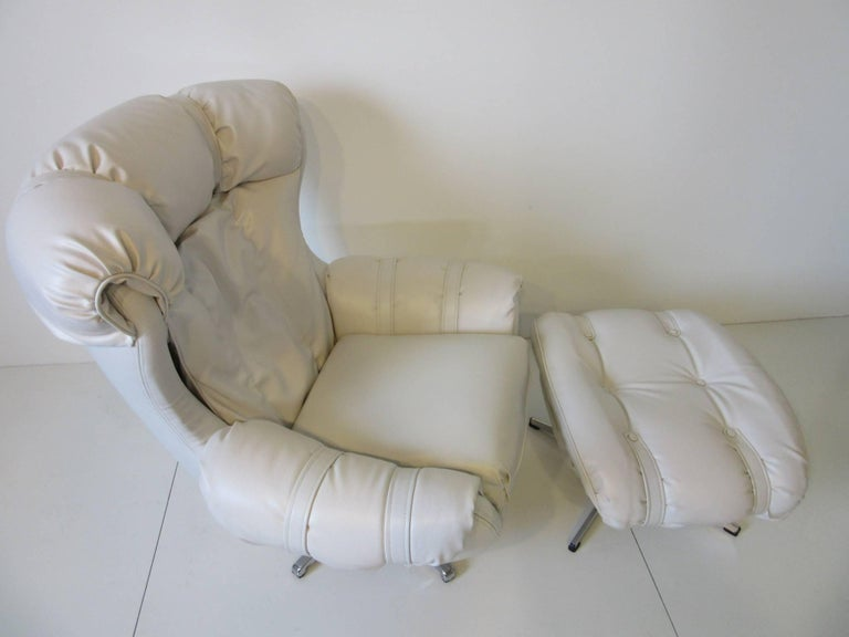 1970s Lounge Chairs with Ottoman For Sale 1