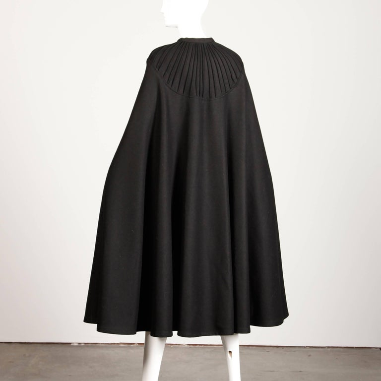 1970s Luba Rudenko Vintage Heavy Black Wool Cape Coat In Excellent Condition For Sale In Sparks, NV