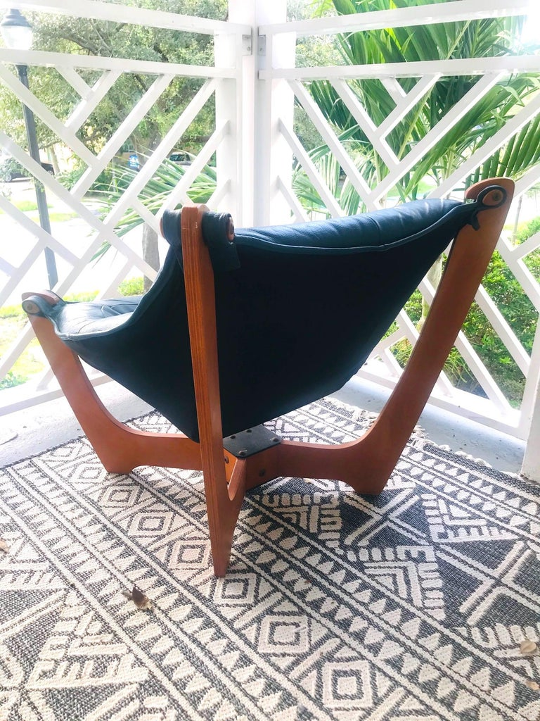1970s Luna Lounge Chair by Odd Knutsen in Cadet Blue Leather, Norway For Sale 3