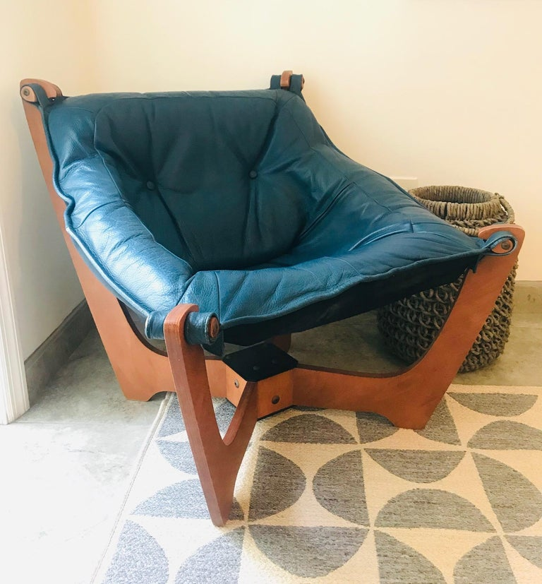 1970s Luna Lounge Chair by Odd Knutsen in Cadet Blue Leather, Norway For Sale 4