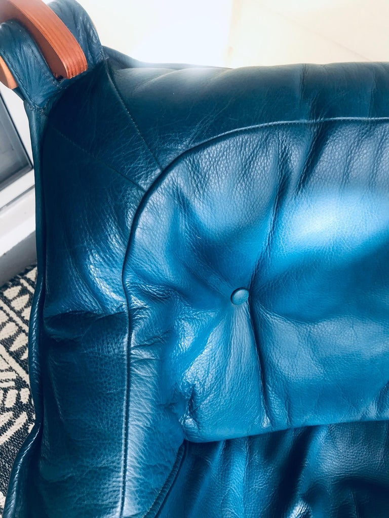 1970s Luna Lounge Chair by Odd Knutsen in Cadet Blue Leather, Norway For Sale 5