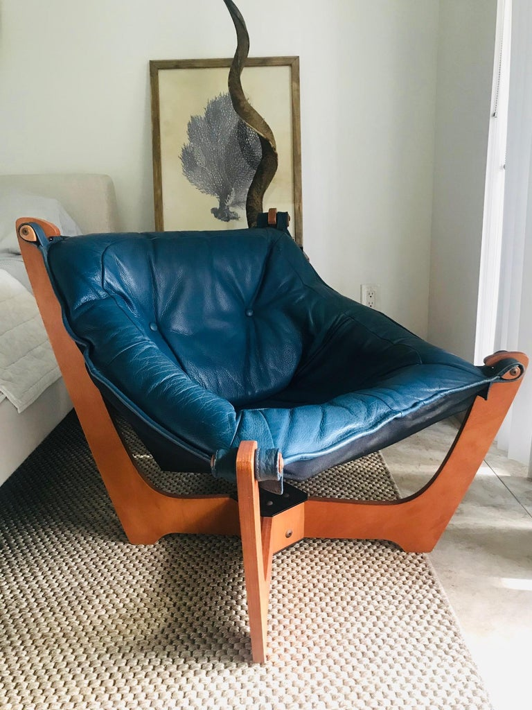 Mid-Century Modern 1970s Luna Lounge Chair by Odd Knutsen in Cadet Blue Leather, Norway For Sale