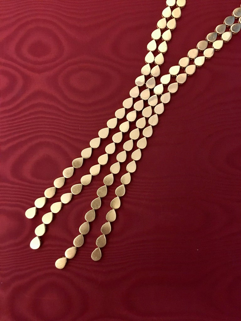 1970s M. Gérard Gold Lavalier Necklace In Excellent Condition For Sale In New York, NY