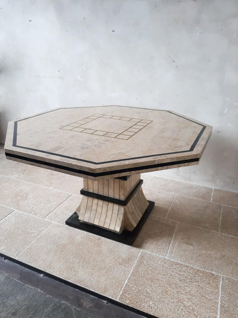 1970s Maitland Smith Tessalated Marble Dining Table In Good Condition For Sale In Baambrugge, NL