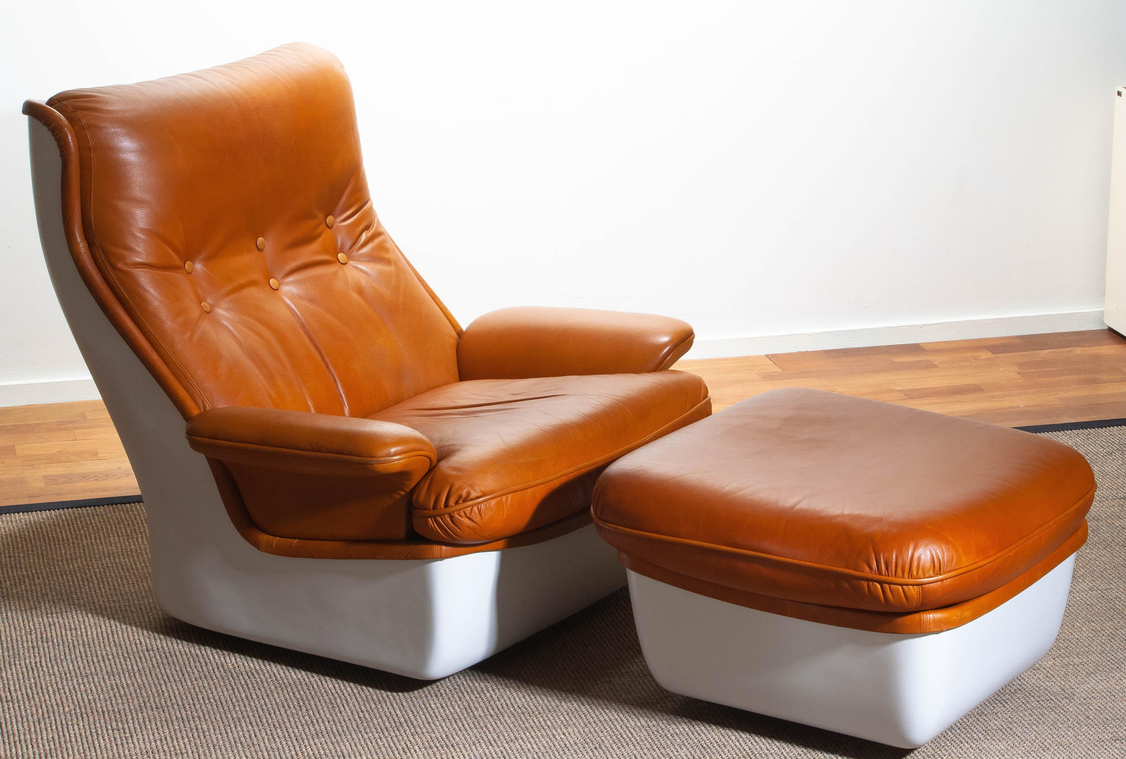 Wondrous 1970S Marc Held Airborne Lounge Easy Chair And Ottoman In Cognac Leather Creativecarmelina Interior Chair Design Creativecarmelinacom