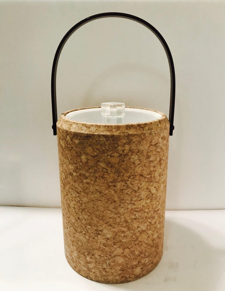 1970s Mid-Century Modern Cork and Lucite Tall Ice Bucket For Sale 5