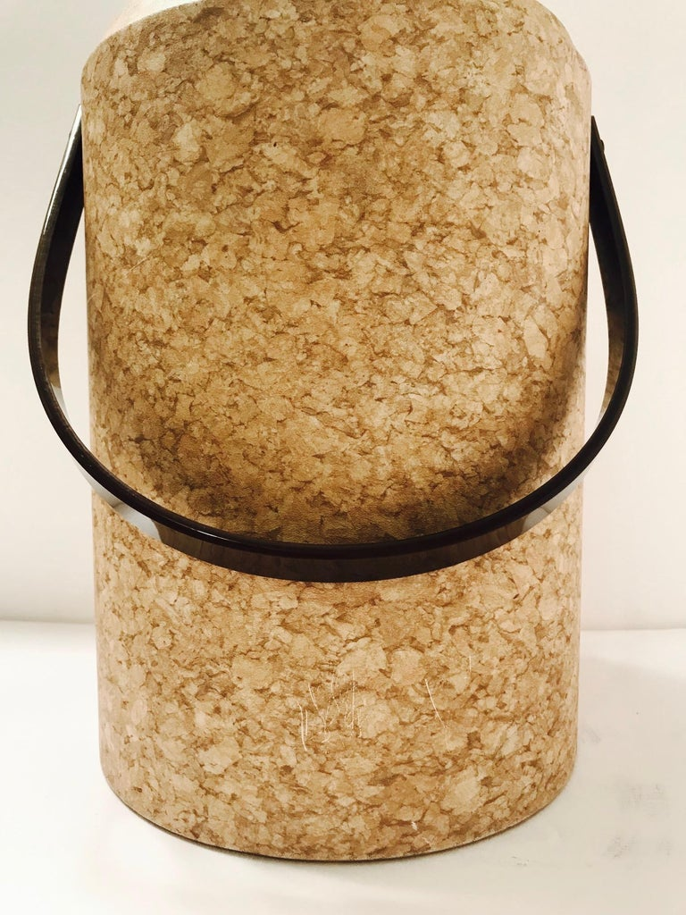 Polished 1970s Mid-Century Modern Cork and Lucite Tall Ice Bucket For Sale