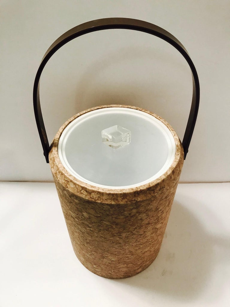 Acrylic 1970s Mid-Century Modern Cork and Lucite Tall Ice Bucket For Sale