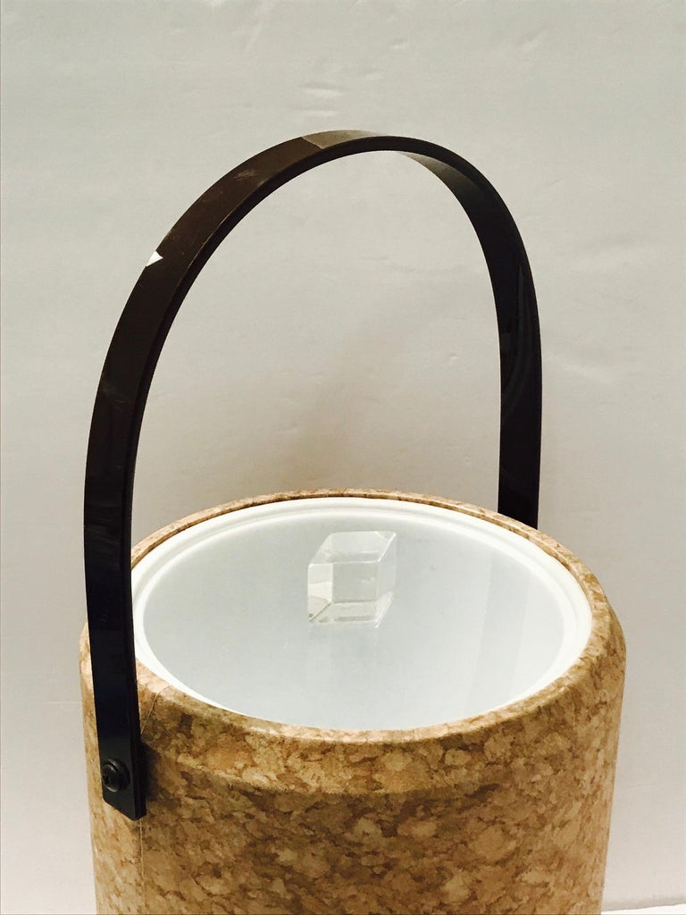 1970s Mid-Century Modern Cork and Lucite Tall Ice Bucket For Sale 1
