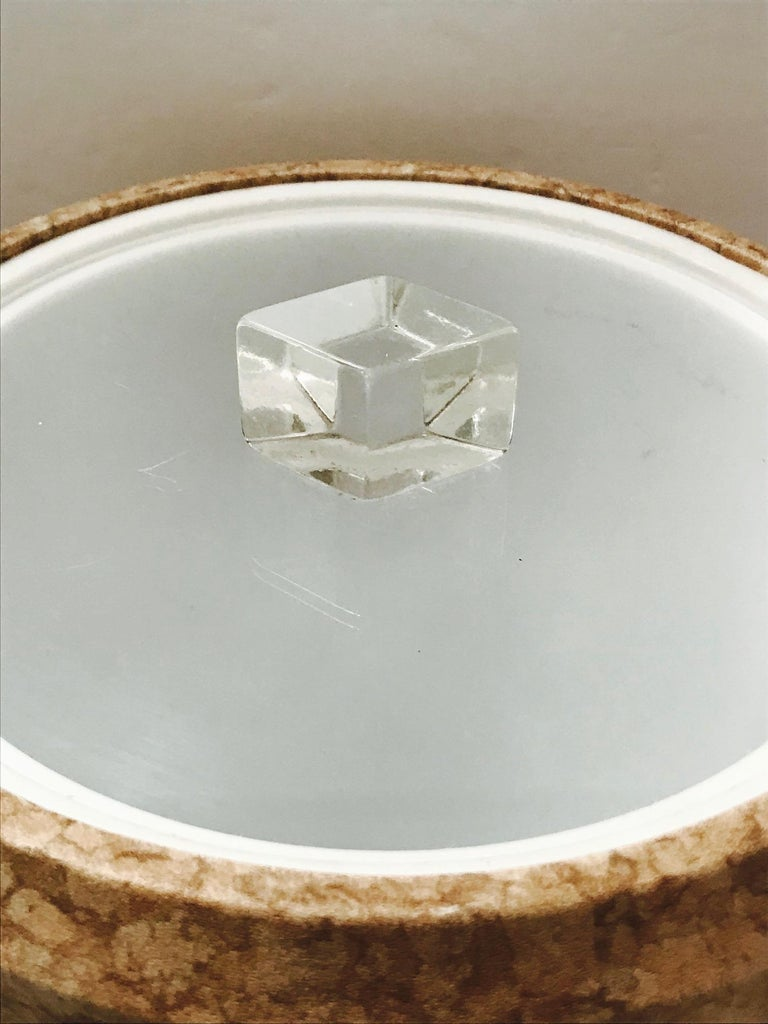 1970s Mid-Century Modern Cork and Lucite Tall Ice Bucket For Sale 2