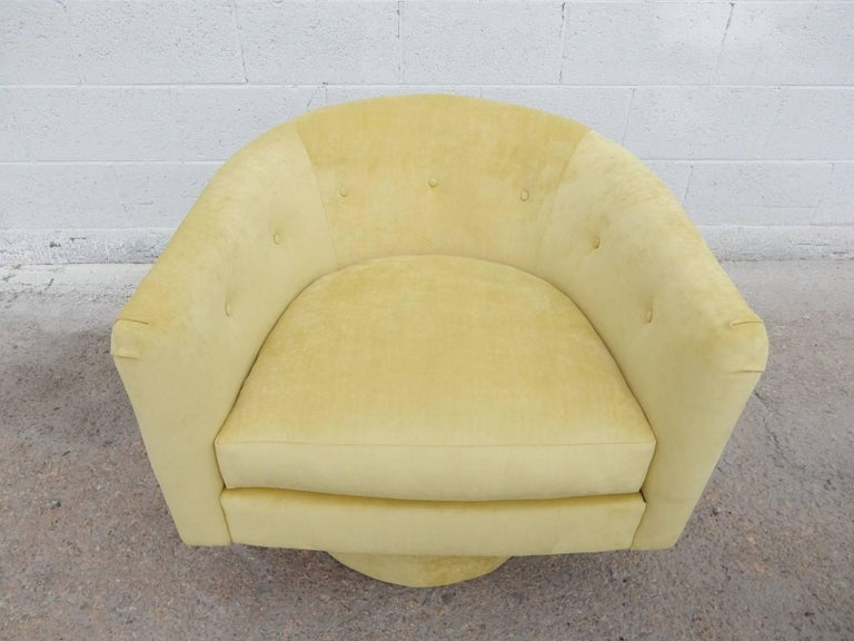 Pair of 1970s Milo Baughman Style Velvet Swivel Lounge Chairs For Sale 1