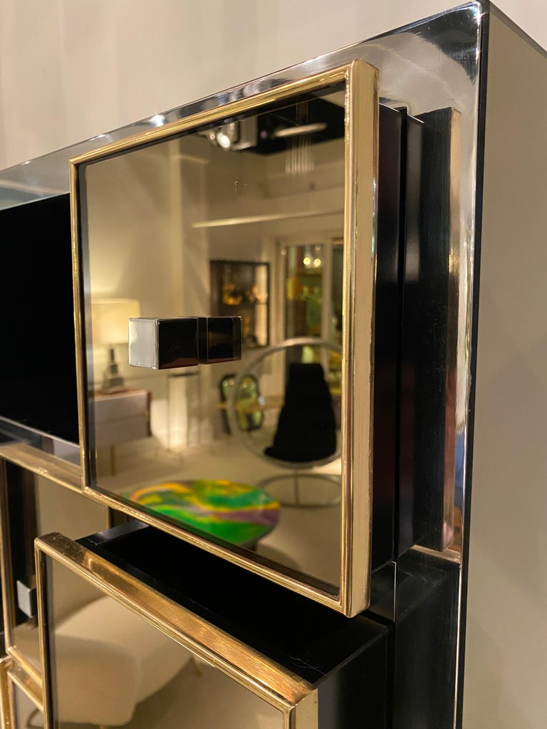 1970s Mirrored Cabinet by Michel Pigneres For Sale 4