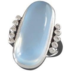 1970s Modernist 17.5 Carat Moonstone Diamond White Gold Cocktail Ring