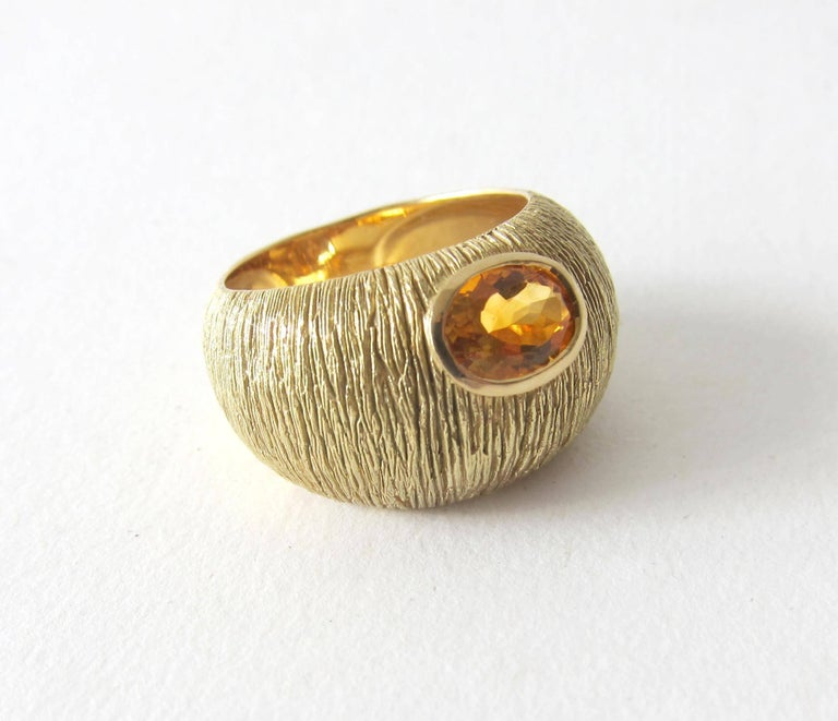 1970s Modernist Gold Citrine Textrured Bombé Ring In Excellent Condition For Sale In Los Angeles, CA