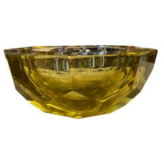 1970s Modernist Yellow Lemon Faceted Murano Glass Ashtray by Seguso